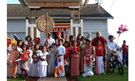 Oregon Buddhist Temple in Portland, USA celebrated the Vesak Festival last May with Sri Lankan Buddhists living in Portland.