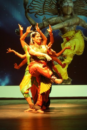 Jayanthi Raman Dance Company in Anubhava. Photo by G. Sriram.