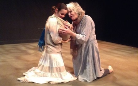 Danielle Pecoff (left) as Andromeda and Elizabeth Ware as Hecuba. Photo: Julie Marks