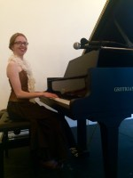 http://www.orartswatch.org/pianist-christina-kobb-playing-it-19th-century-style/