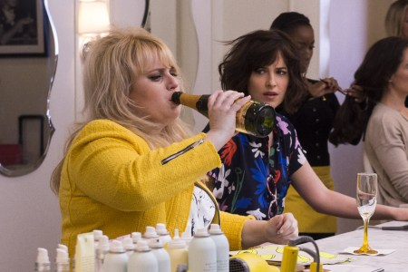 "(L-r) REBEL WILSON as Robin and DAKOTA JOHNSON as Alice in New Line Cinema's, Metro-Goldwyn-Mayer Pictures' and Flower Films' comedy ""HOW TO BE SINGLE,"" a Warner Bros. Pictures release. Photo by Barry Wetcher"