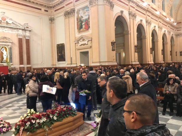 """Barcellona PG. Lutto cittadino, il """"senso dei funerali"""""""