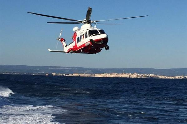 Milazzo. Disperso sottoufficiale in mare, ricerche senza sosta con elicotteri militari