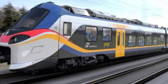 """Messina. Trenitalia consegna due nuovi treni """"Pop"""". Presenti Musumeci e De Luca"""