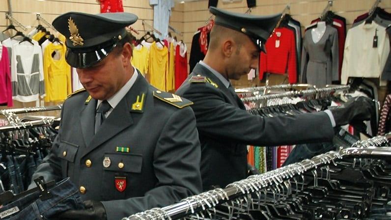 Operazione GDF-Polizia Municipale: lotta ad abusivismo commerciale, lavoro nero e illecita percezione reddito di cittadinanza