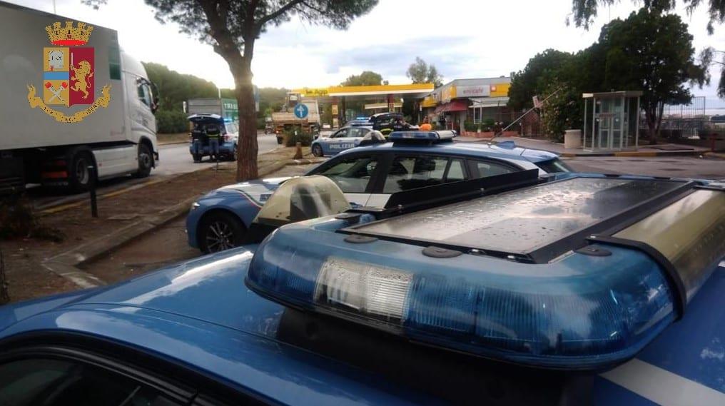 """Sicurezza su strade e autostrade, controlli straordinari Polstrada: """"Fermati 108 veicoli e 125 persone"""""""