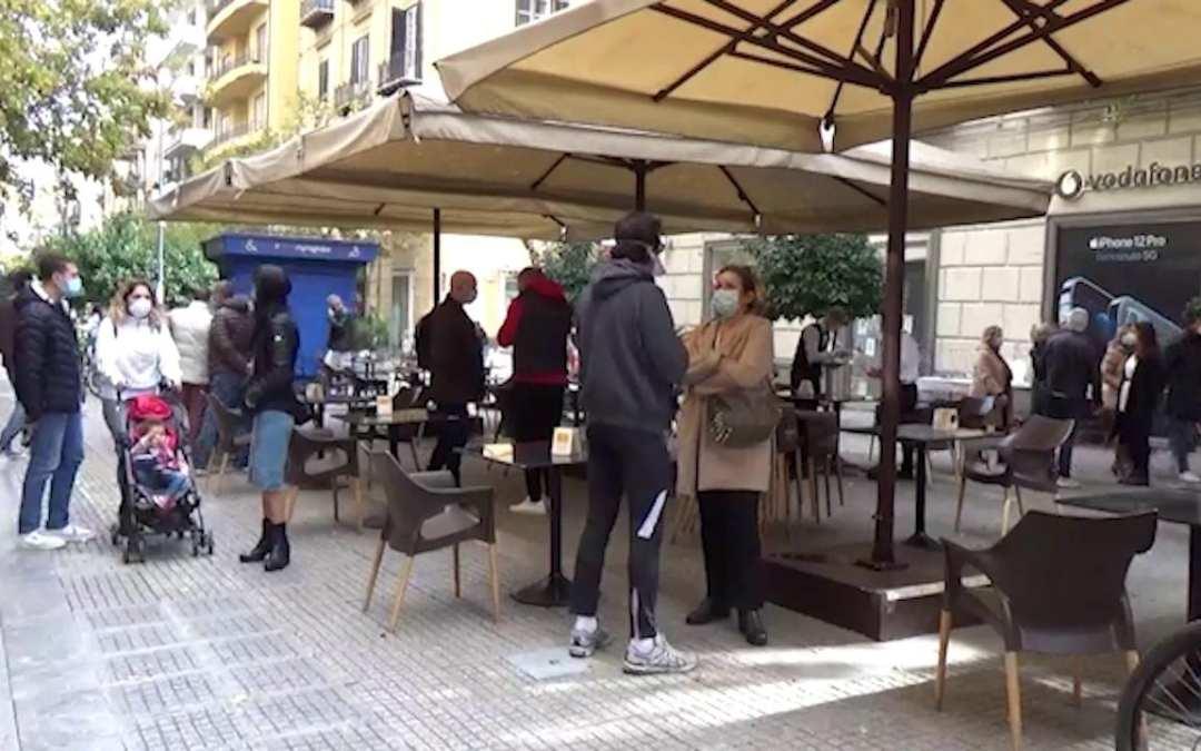 Sicilia. Covid, ripartenza in 'zona gialla' tra colazioni e aperitivi. Curva contagi ancora in calo