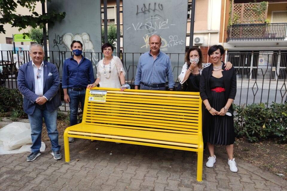 Milazzo. Inaugurata a piazza Nastasi la panchina contro il bullismo
