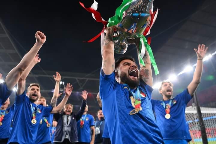 #Editoriale. L'Italia è Campione d'Europa, a Barcellona festeggiamenti fino a tarda notte