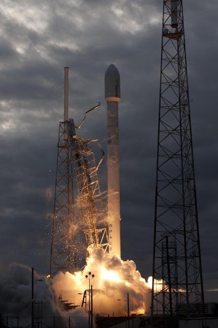 Falcon-9 Thaicom-6 02