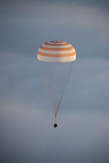Expedition 42 Soyuz TMA-14M Landing