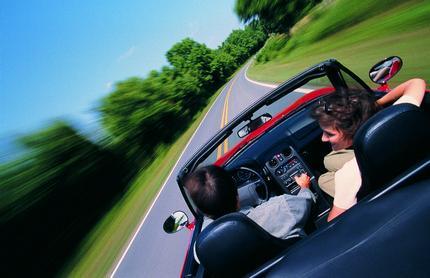 Car_on_road_node_full_image_2 1