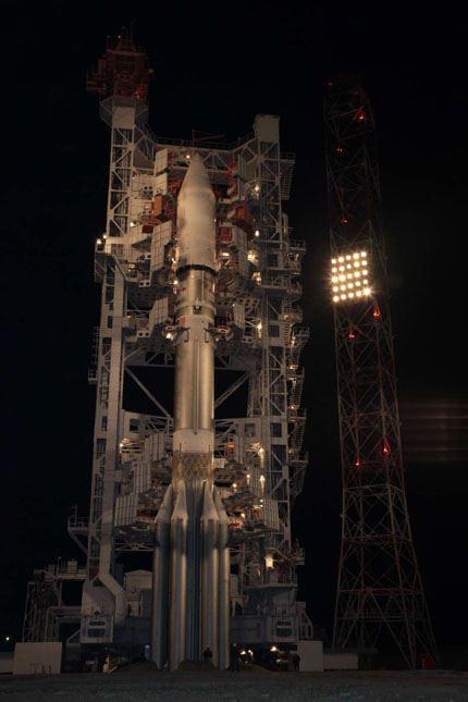 Proton-M_Astra-2E 01