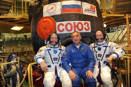 Soyuz TMA-10M 06