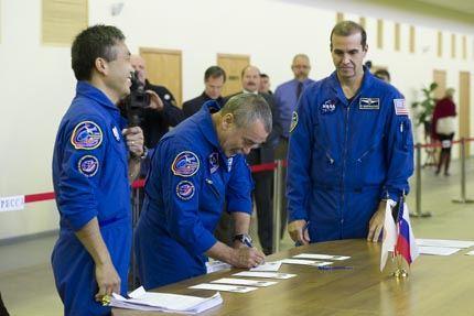 Soyuz TMA-11 09