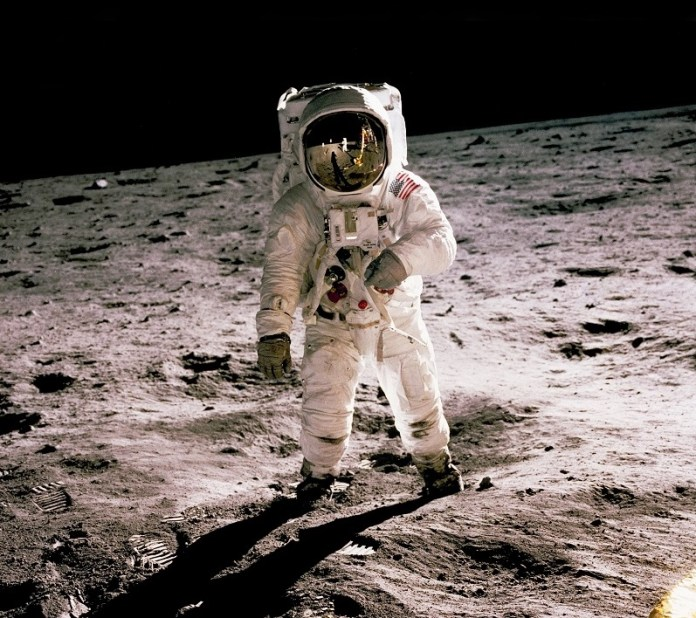 New Bitcoin Users, the moonlanding classic photo