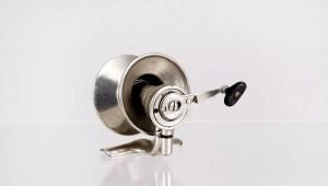Guy-ra-tory Spinning reel
