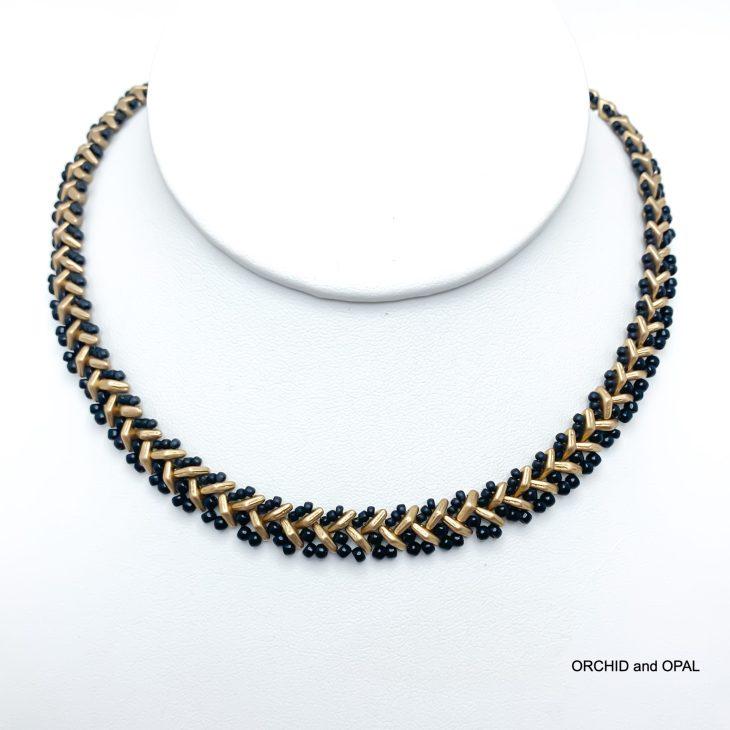 2-hole herringbone necklace tutorial