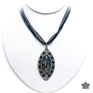 Horse Eye Agate Bezel Pendant Necklace black