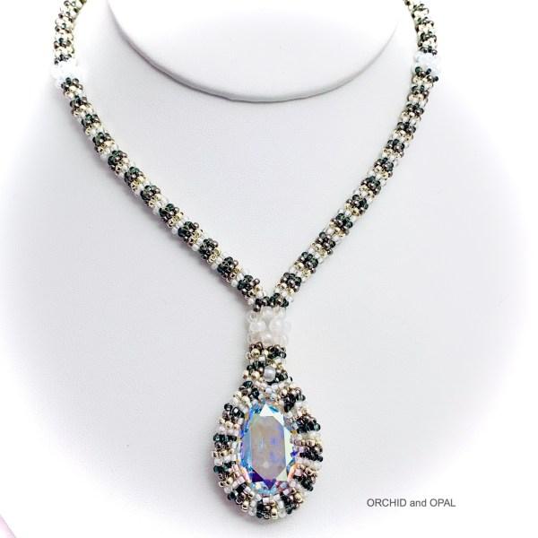 swarovski oval necklace white 2