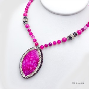 fuschia dragon veins agate pendant necklace