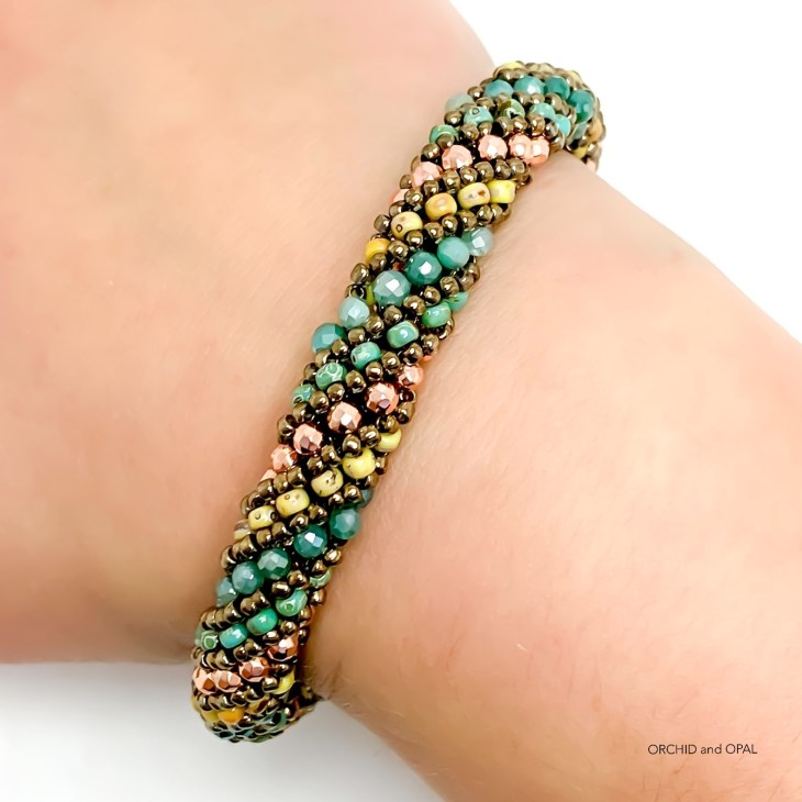 beaded russian spiral stitch bracelet tutorial