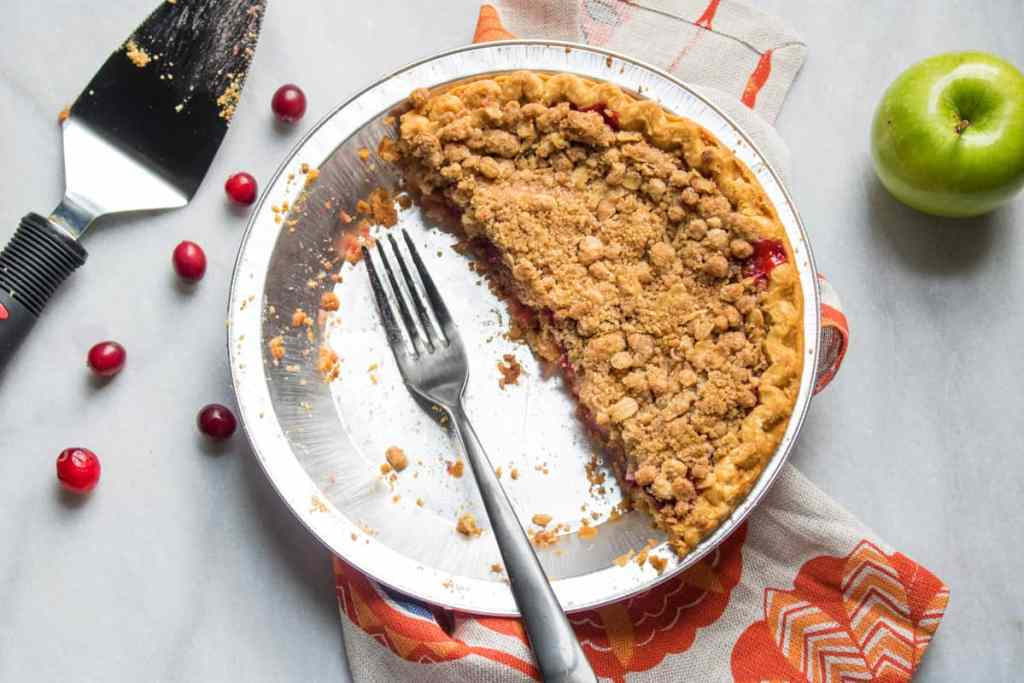 Vegan Apple Cranberry Crumble Pie