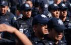 POLICÍAS PROTESTAN AFUERA DEL SENADO, QUIEREN REUNIRSE CON LEGISLADORES