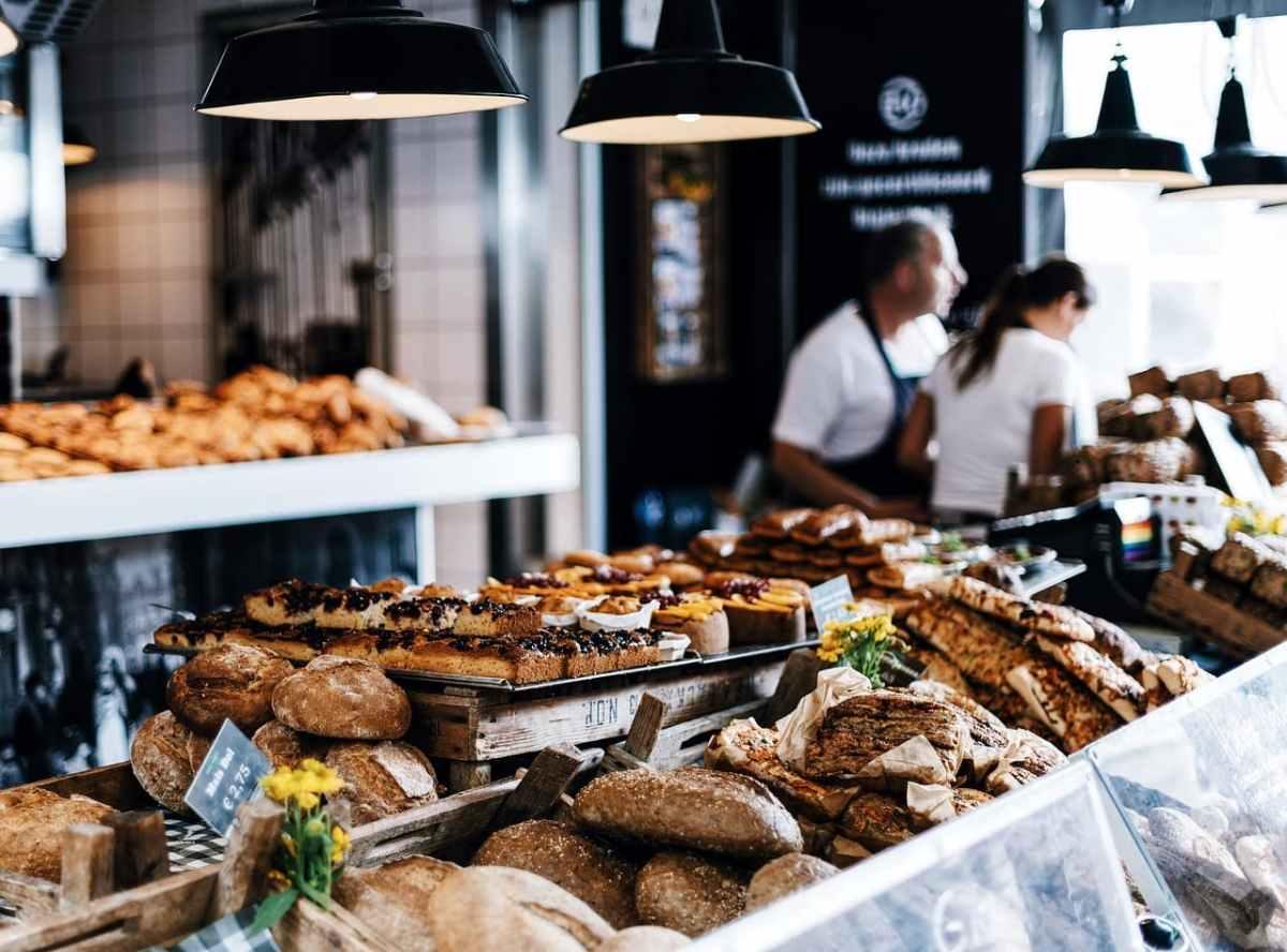 Die Auslage einer Bäckerei