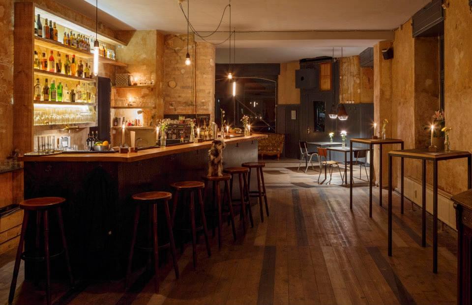 In der Neuköllner Bar Twinpigs können Gäste aus zwölf verschiedenen Sorten Craft Beer wählen