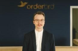 Bastian im orderbird Büro