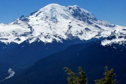 Mt Rainier in Mt Rainier National Park on a clear summer day