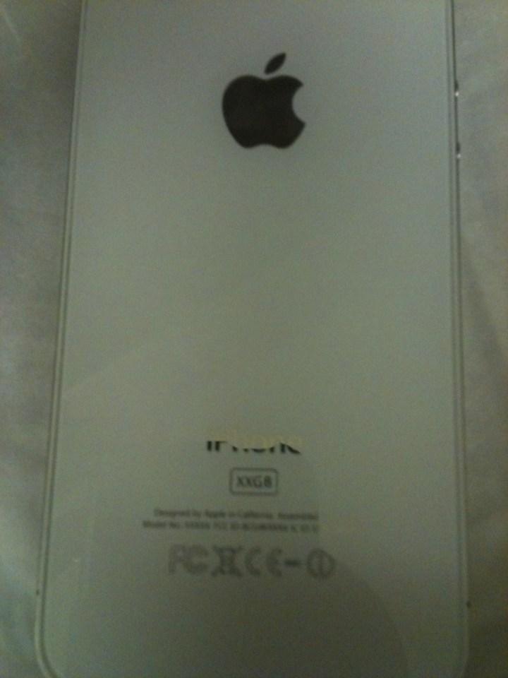 Prototipo iPhone 4 Bianco su eBay retro