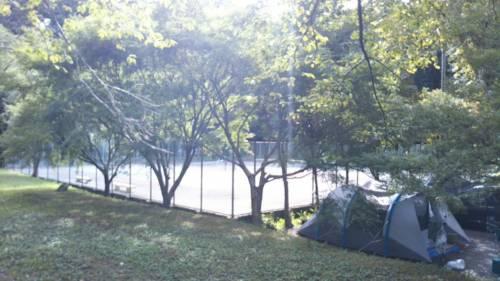 ならここキャンプ場テニスコート