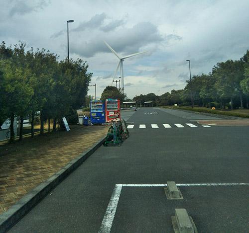 若洲公園キャンプ場駐車場
