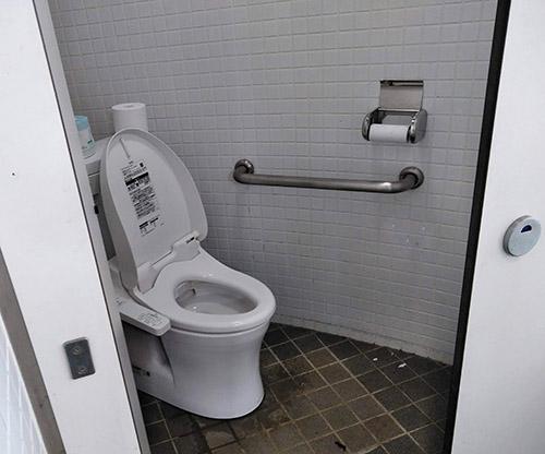 12坊温泉オートキャンプ場トイレ