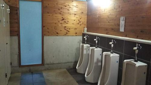 しだれ栗森林公園キャンプ場トイレ