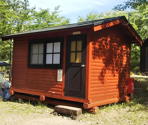 モミの木キャンプ場バンガロー