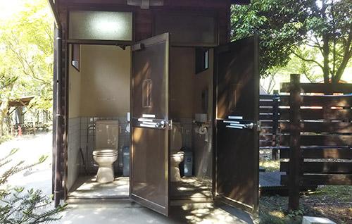 モミの木キャンプ場トイレ