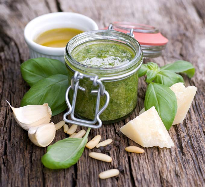 Zeytinyağlı Pesto Sosu