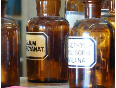 What's the difference between homeopathy and holistic medicine