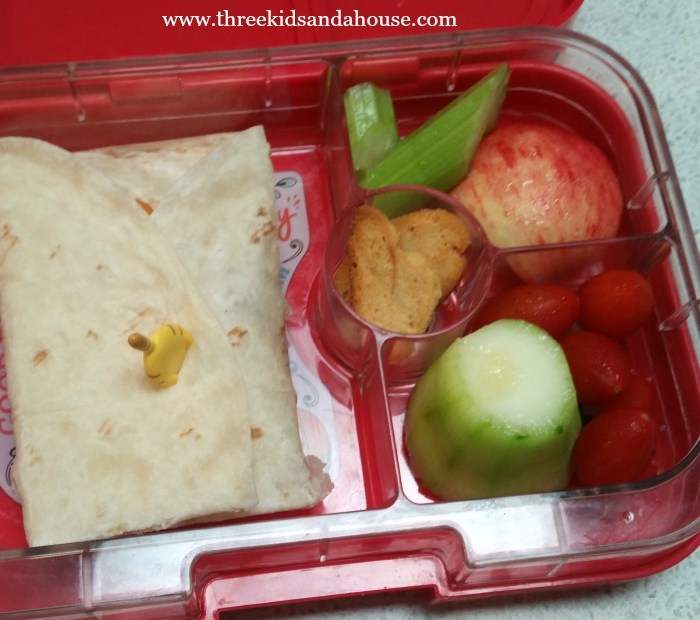 How To Make A Bento Style Lunch For Your Kids (And A Free Printable!)