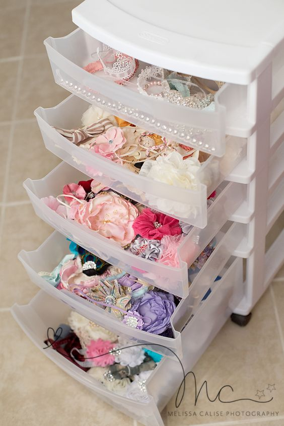 organise girls' hair accessories
