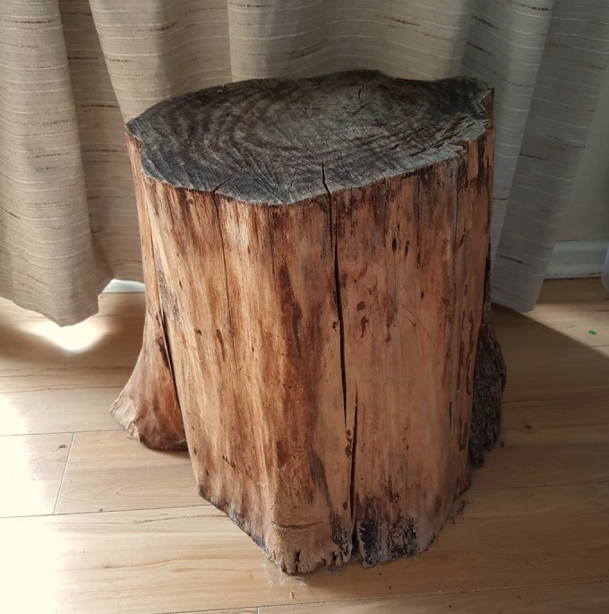 DIY reading nook stump side table