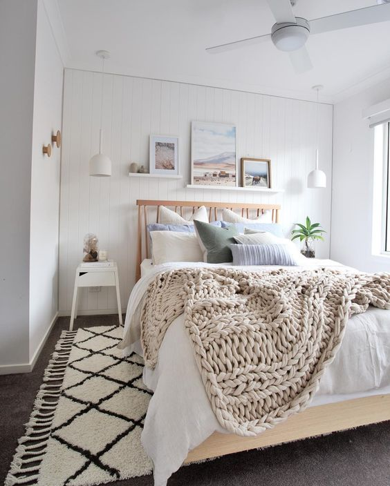 5 simple ideas for turning your master bedroom into your dream room. Find out how to decorate a bedroom on a budget with the start of this DIY room makeover. - Organised Pretty Home #bedroom #bedroomcurtains #bedroomdecor #masterbedroom #arearug #paintcolors #diy #roommakeover #organisedprettyhome