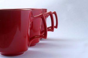 ¡Organízate! Prepara tazas promocionales como regalos empresarios.