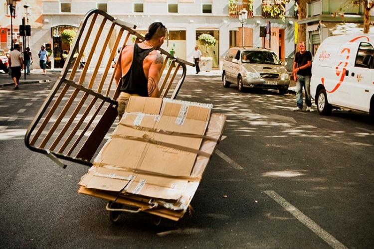 Trucos e ideas para organizar una mudanza empaquetado organización limpieza bolsas cajas