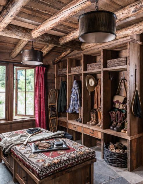 10 Beautiful Rustic Closets