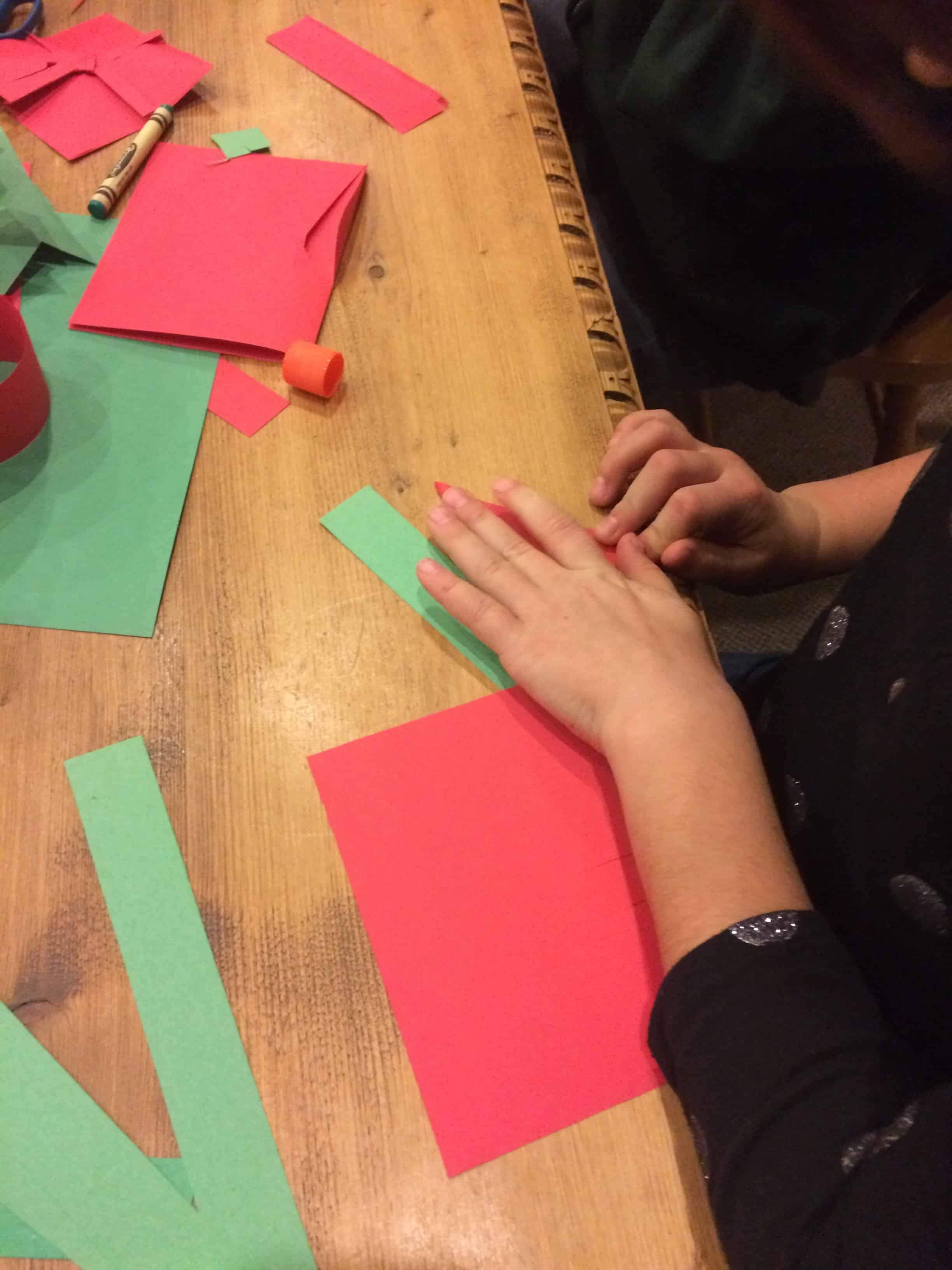 A Christmas Craft For Kids That Includes Learning And