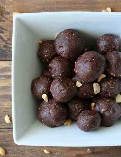 No-bake Peanut Butter and Chocolate Energy Bite Recipe
